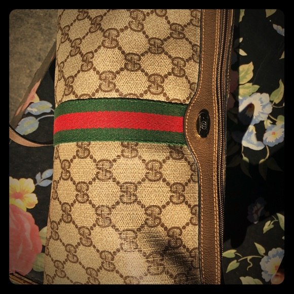 Gucci Handbags - Gucci Purse